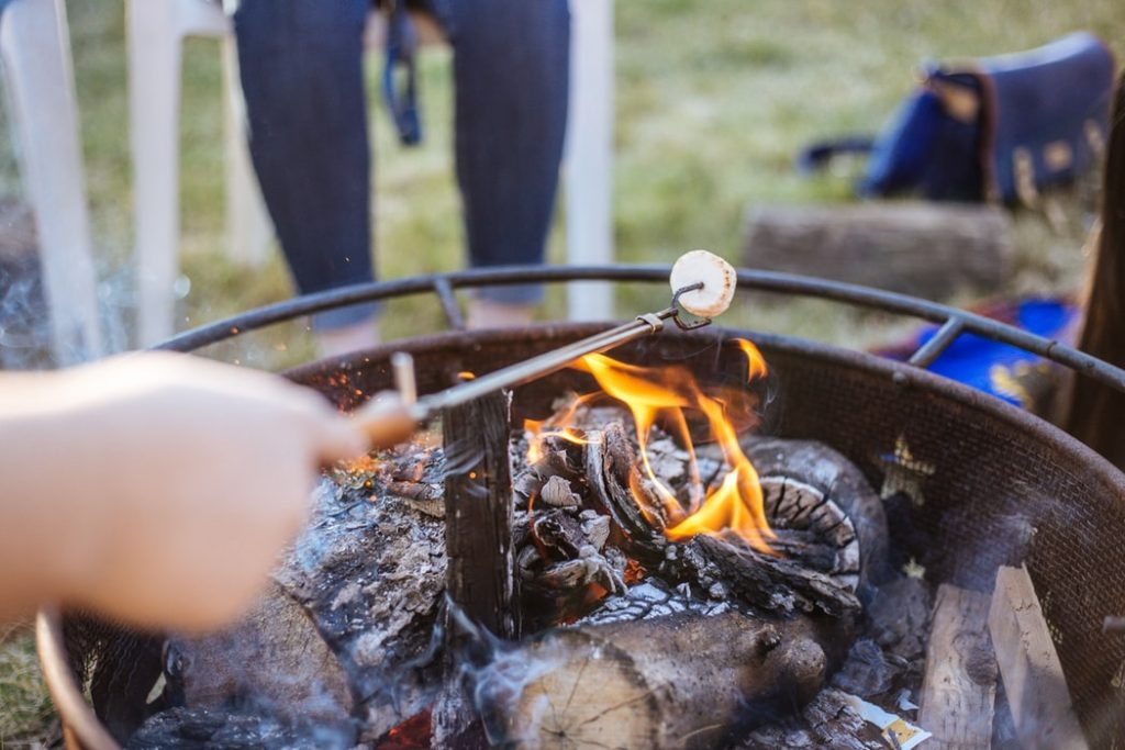 Enjoy Your Backyard in Fall with the Right Furniture, BBQ and BBQ Equipment